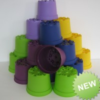 20 x COLOURED 2 LITRE PLANT POTS